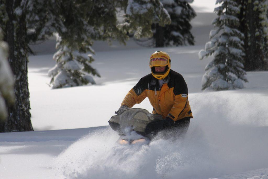 The Diamond S Ranch - Snowmobile Tours